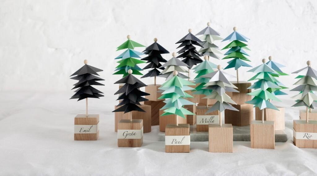Weihnachtsbasteln - DIY Papierwälder