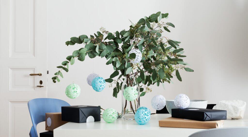 Weihnachtsbaumschmuck basteln - DIY Papierkugeln