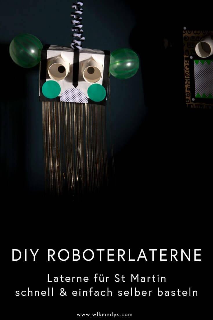 Wer dieses Jahr eine einfache und schnelle DIY Laterne für St Martin selber basteln möchte, ist hier genau richtig! Diese coole Roboterlaterne könnt ihr nach dem nächsten Wocheneinkauf basteln – ihr und eure kleinen Kreativköpfe braucht nämlich nur eine Papiertragetasche, zwei Espressobecher und die Schätze von eurem eigenen Bastelfundus! Los geht\'s – viel Spaß! #wlkmndys #diy #basteln #laterne #bastelnmitkindern #diyideen