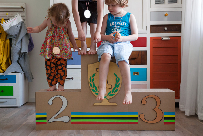 DIY Siegertreppe - Ideen für Spiele für Kindergeburtstag basteln - WLKMNDYS Blog