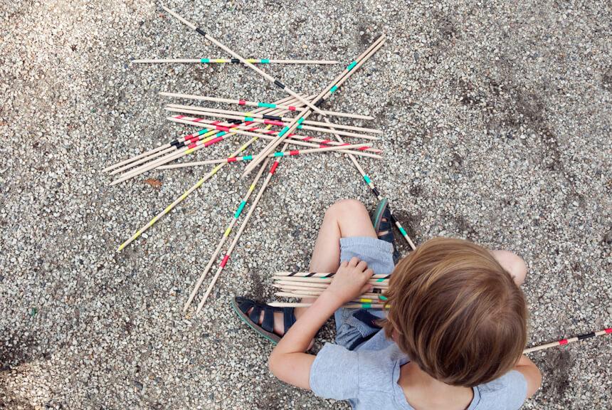Riesenmikado DIY Spiel selbst für den Sommer basteln