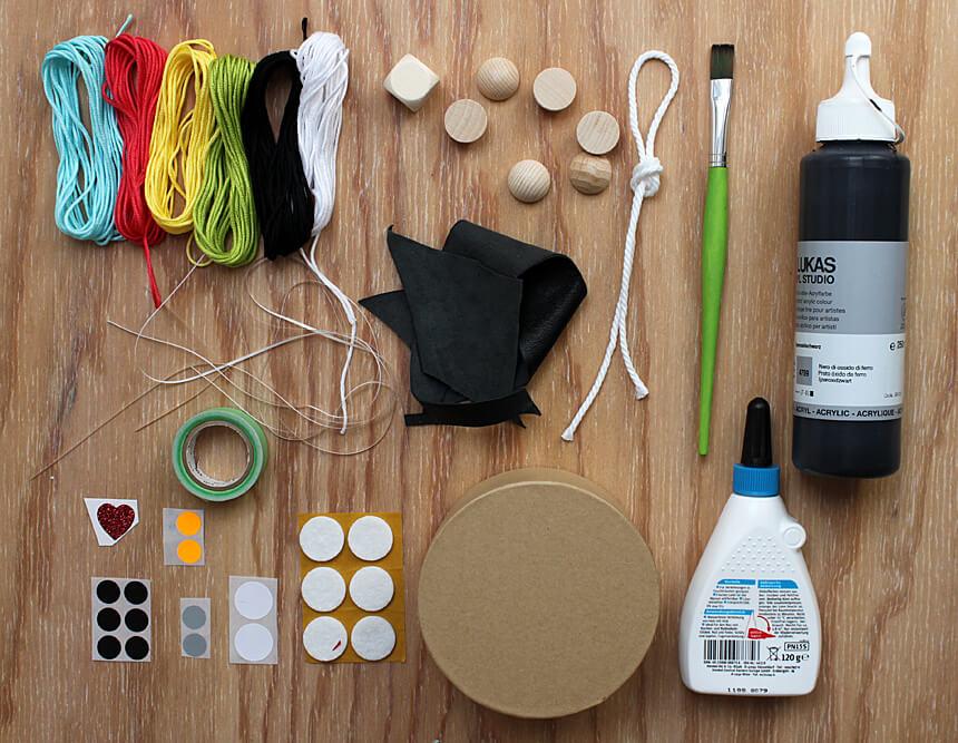 Materialien für das DIY Spiel Schwarze Katze