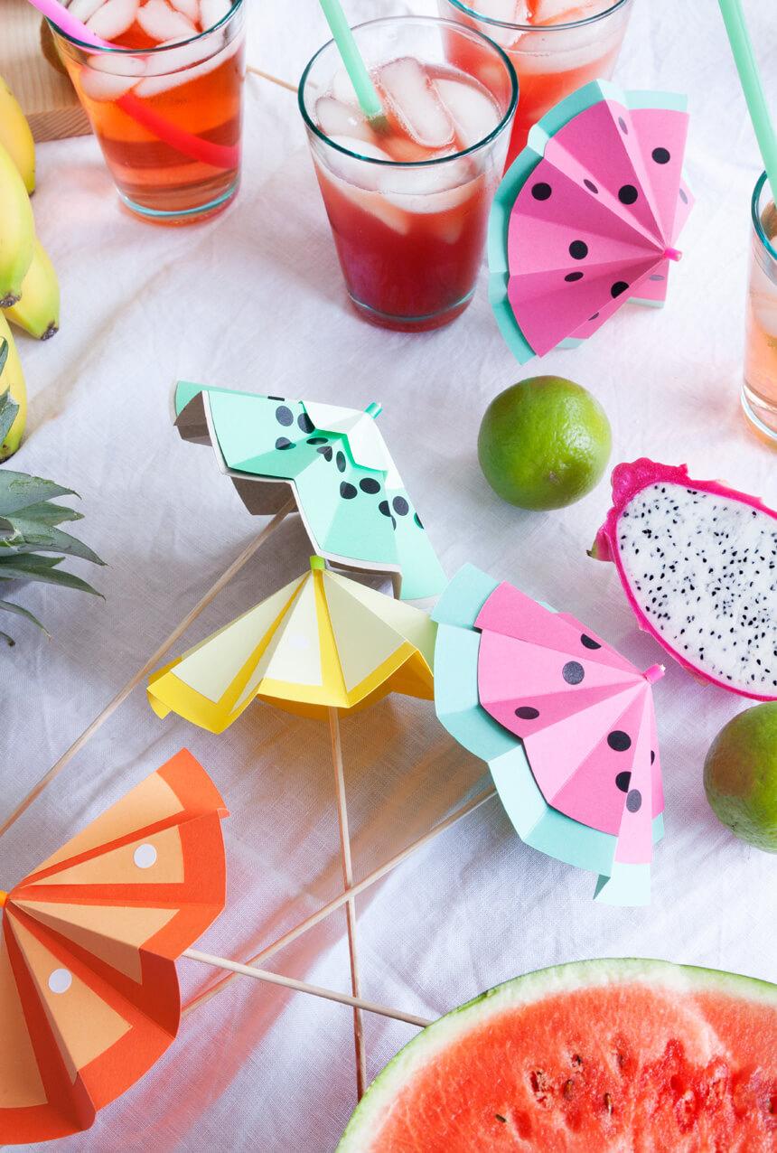 Partydeko selbst basteln: Tutti Frutti Cocktailschirme
