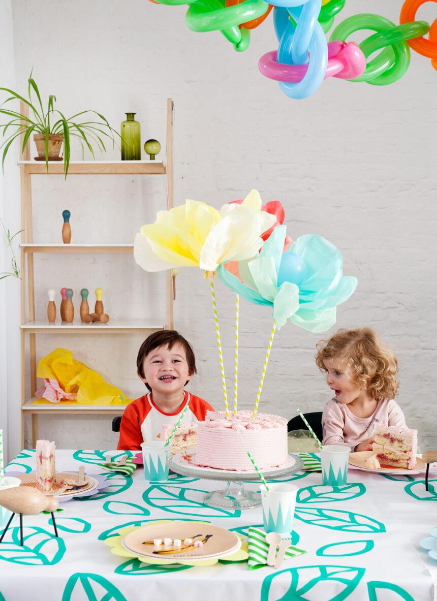 Tischdeko zum Kindergeburtstag basteln: Flower Pops Partydeko
