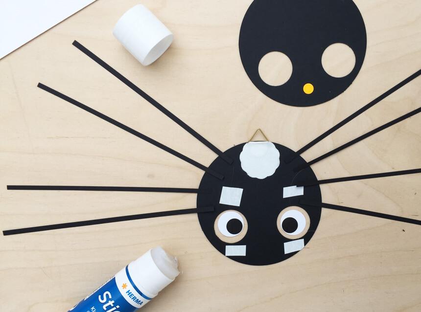 Halloween Deko Basteln mit Anleitung: Kribbelkrabbel - DIY Halloween Deko