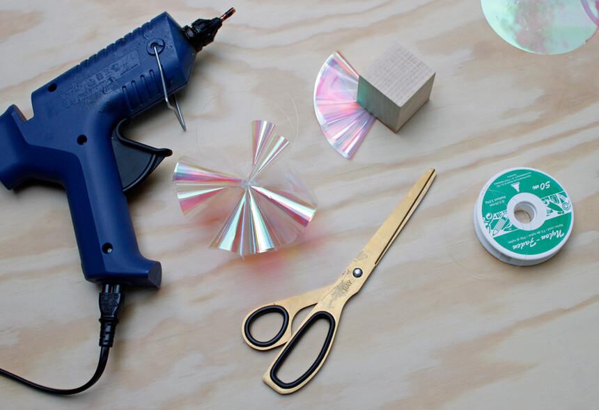 Baumschmuck DIY: Weihnachtsdeko selbst basteln - Zauberkugeln mit Anleitung
