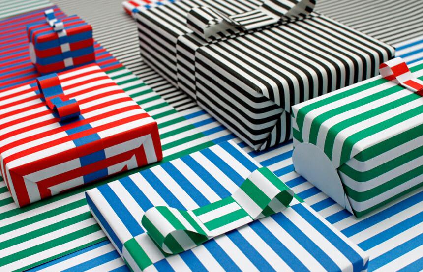 Gestreiftes Geschenkpapier für Weihnachten ausdrucken: Gestreifte Geschenke – WLKMNDYS DIY Blog
