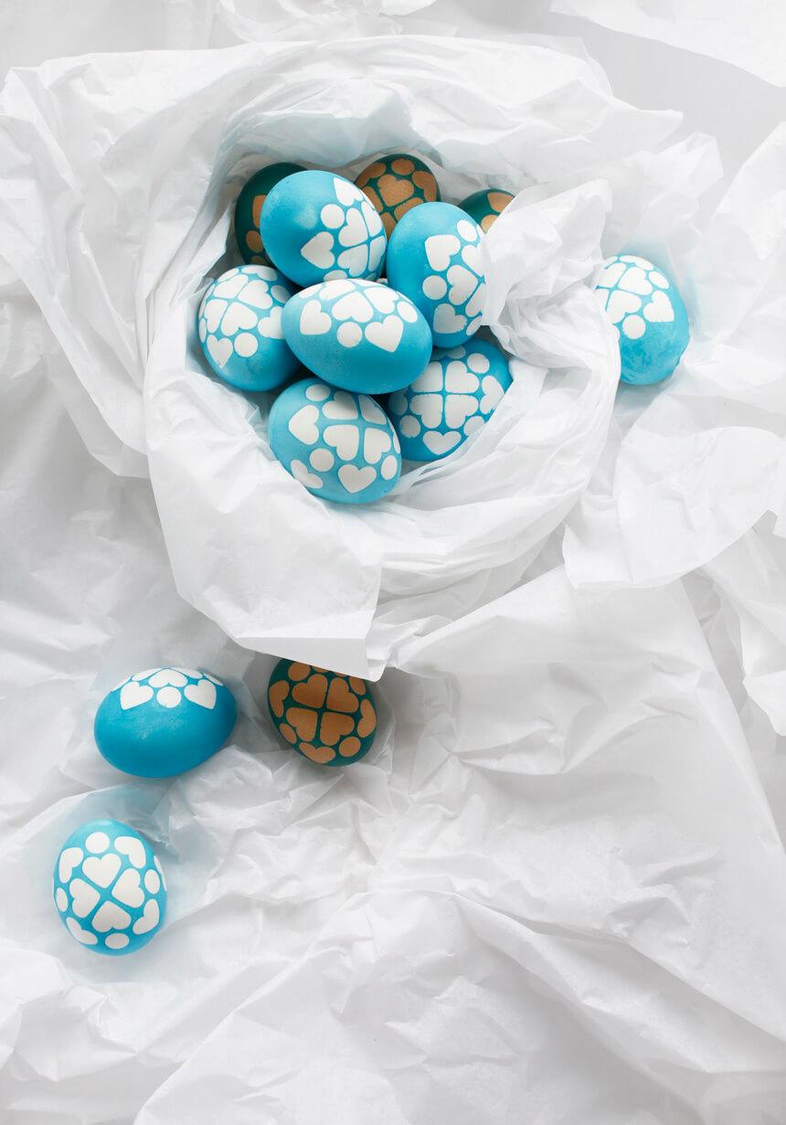 Ostereier schnell und einfach dekorieren: DIY Ostereier mit Muster