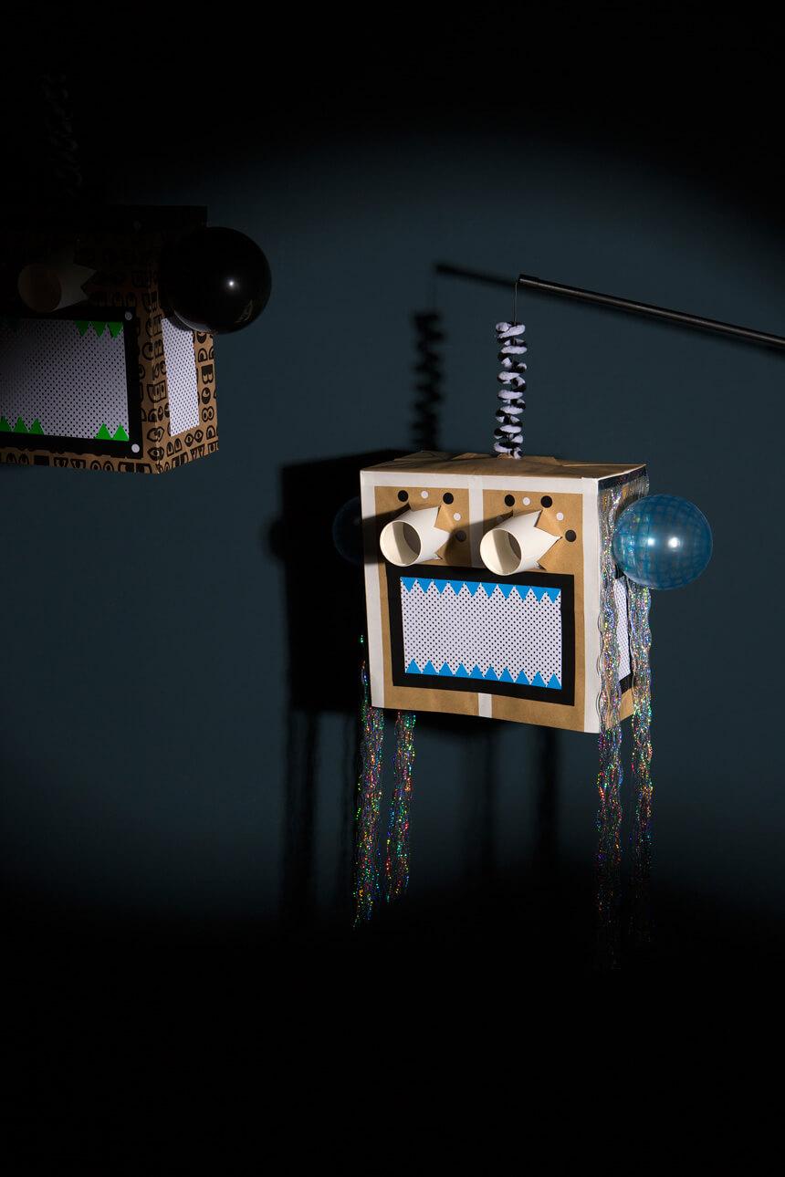 Laterne selber basteln: Roboterlaterne mit Anleitung mit Kindern basteln