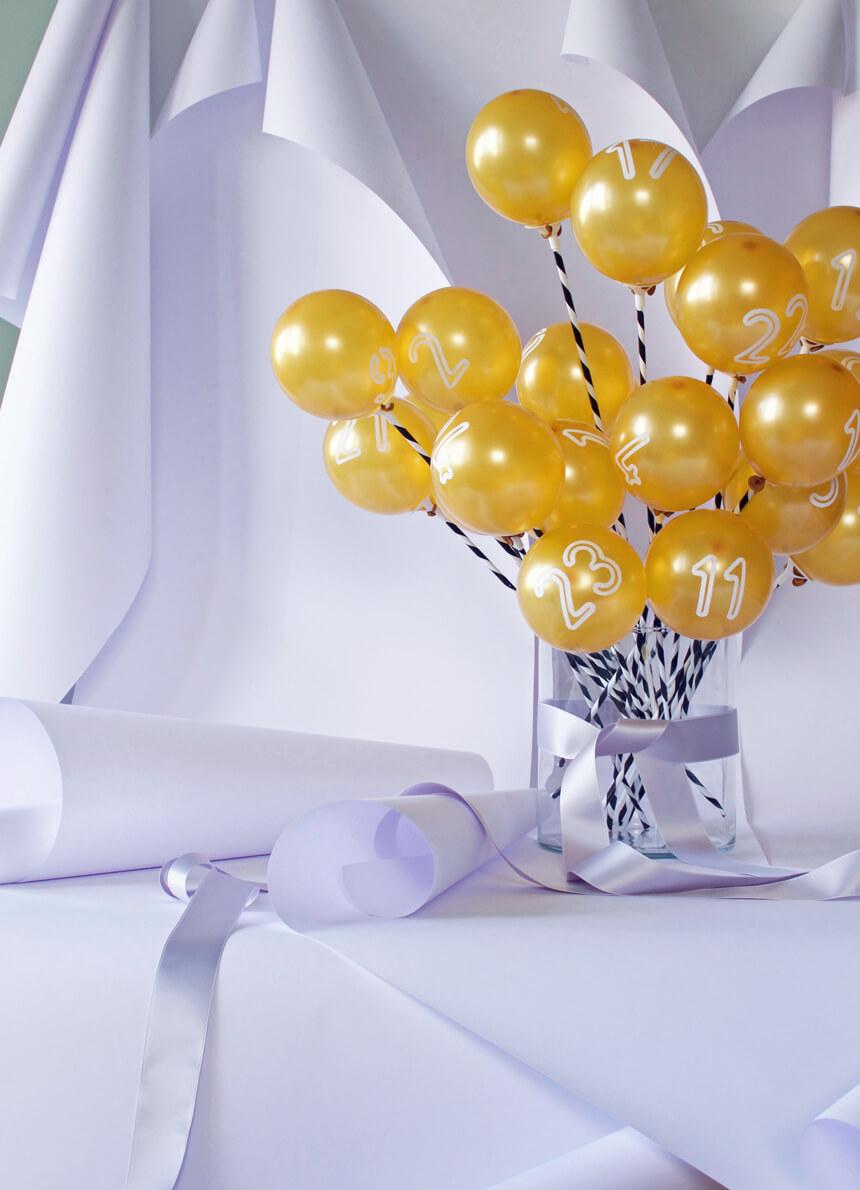 Adventsballons: DIY Adventskalender selber basteln