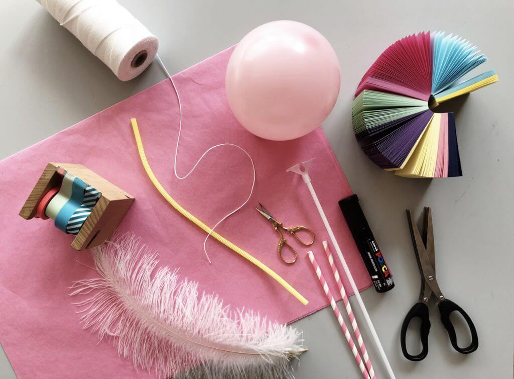 DIY Anleitung: Puppentheater mit Ballonpuppenfiguren mit Kindern Basteln Schritt 1