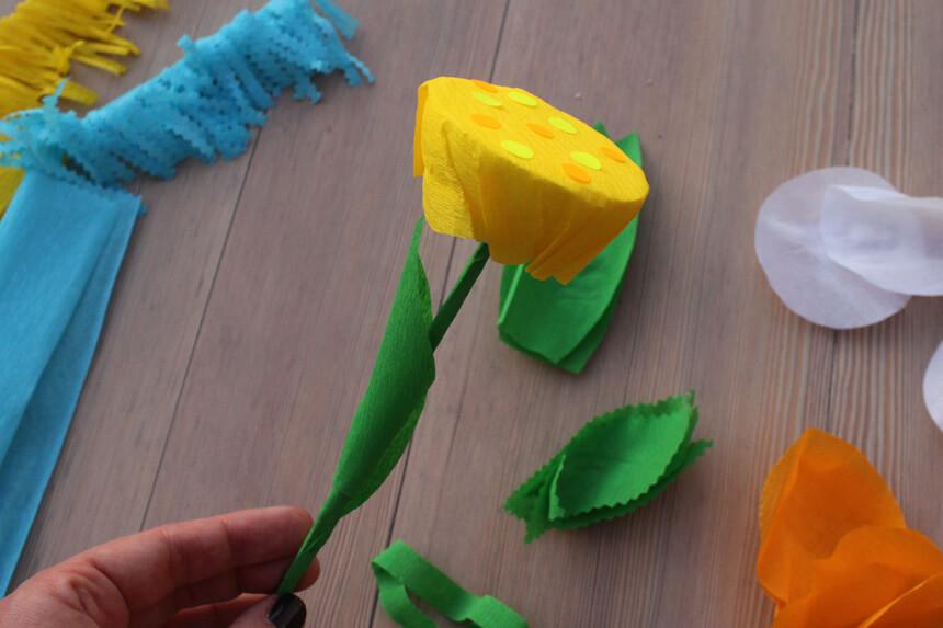 Papierblumen mit Kindern basteln - Anleitung Step 3