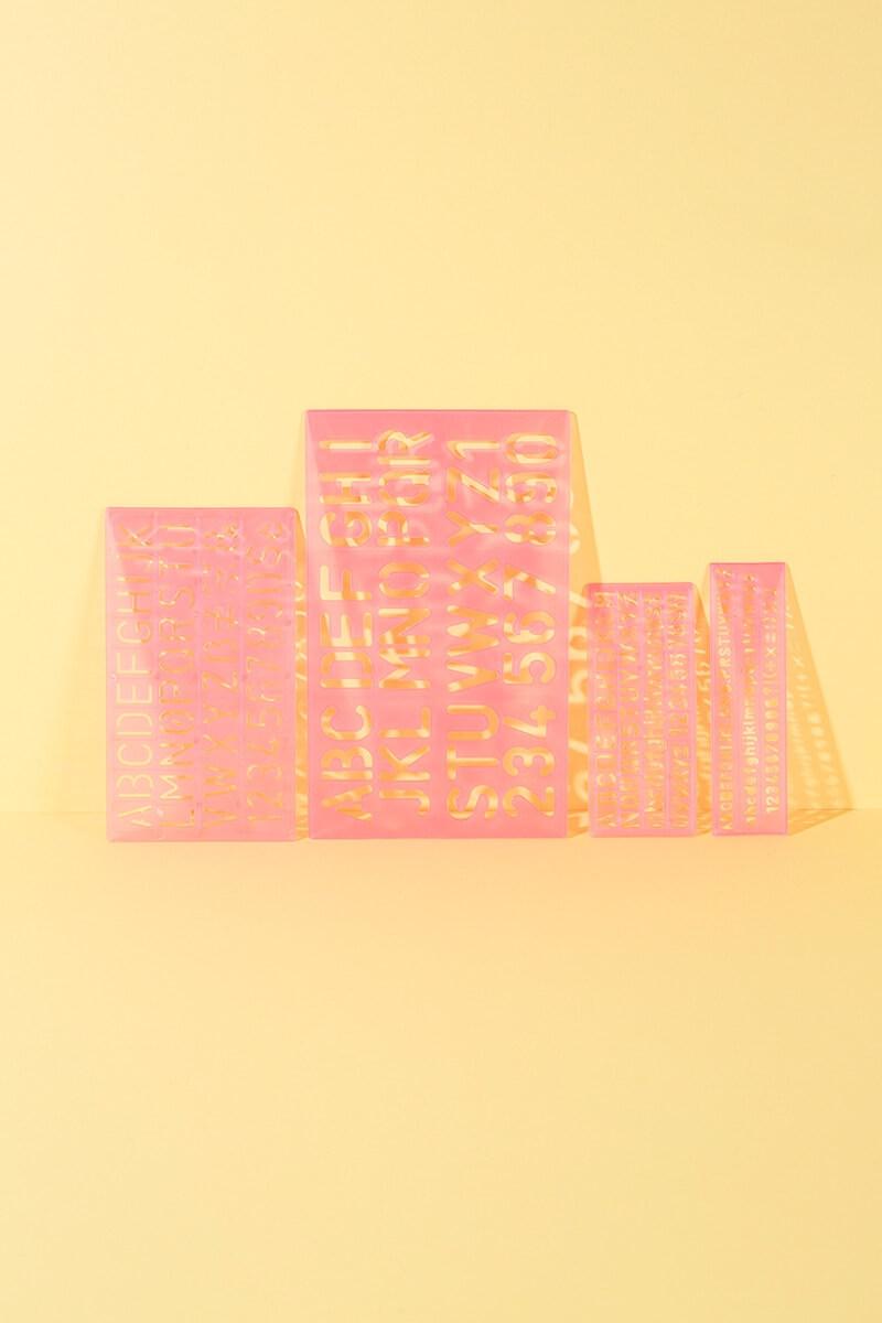 Buchstaben und Zahlen Schablonen für Basteln und DIY Projekte