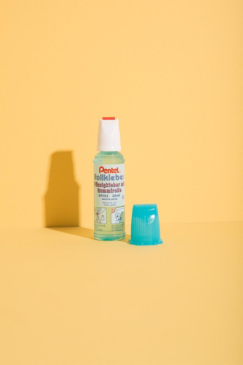 Kleber Roll'n Glue mit Gummirolle für Basteln und DIY Projekte