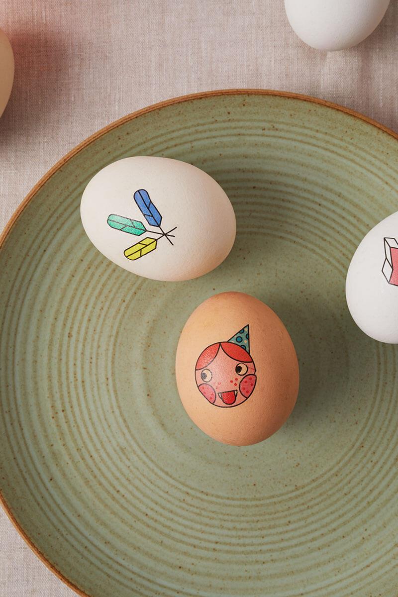 Ostereier mit Tattoos dekorieren