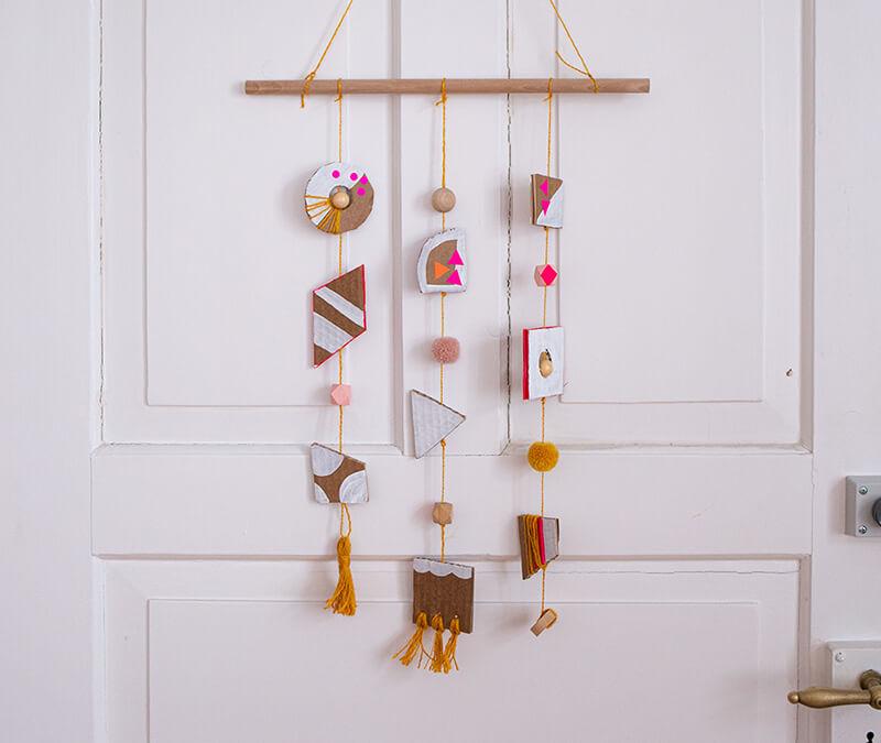 Basteln mit Pappkarton: Ein easypeasy hübscher Wandschmuck!