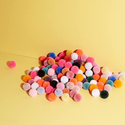 Pompon Set – verschiedene Farben