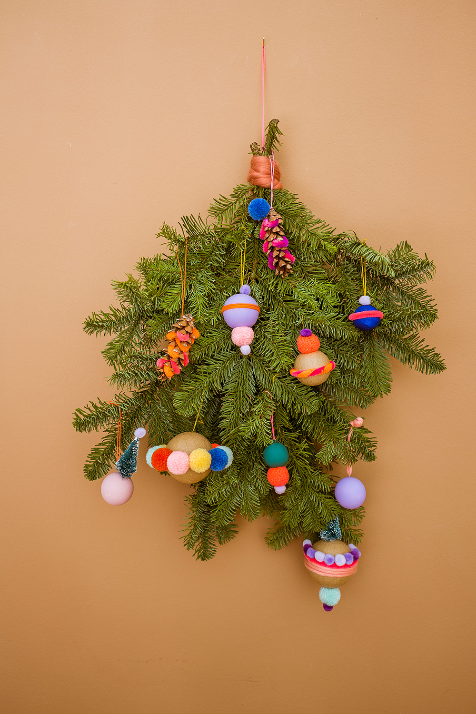 bunten Weihnachtsbaumschmuck basteln