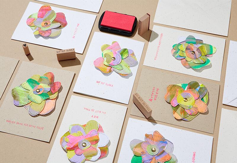 Schnell und jede ist einzigartig: Geprickelte Grusskarten basteln