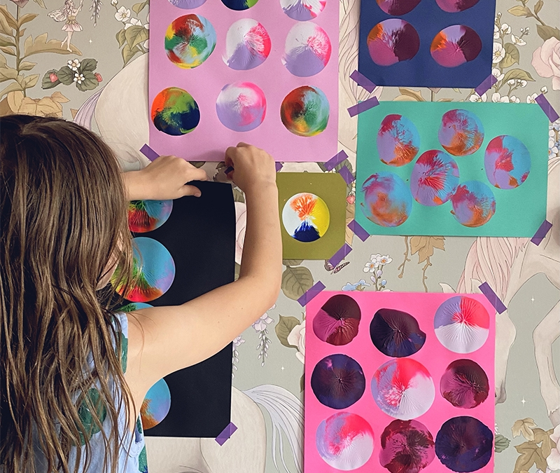 Einfach cool! Wir stempeln mit Ballons einzigartige Kinderkunstwerke